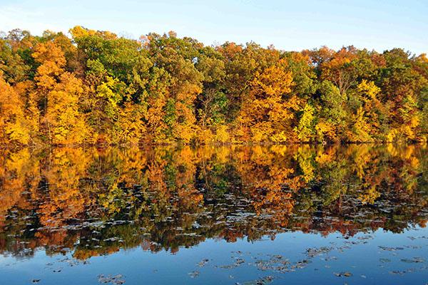The Huron River flows through Ann Arbor